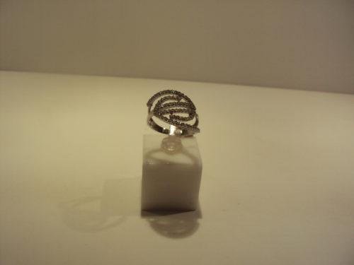 Anillo oro blanco espiral circonitas 390 euros