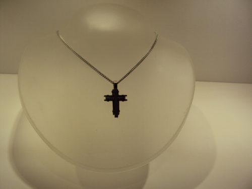 Cruz acero negra y plateada con cadena acero.39€