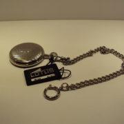 Reloj de bolsillo Lotus plateado. 84€