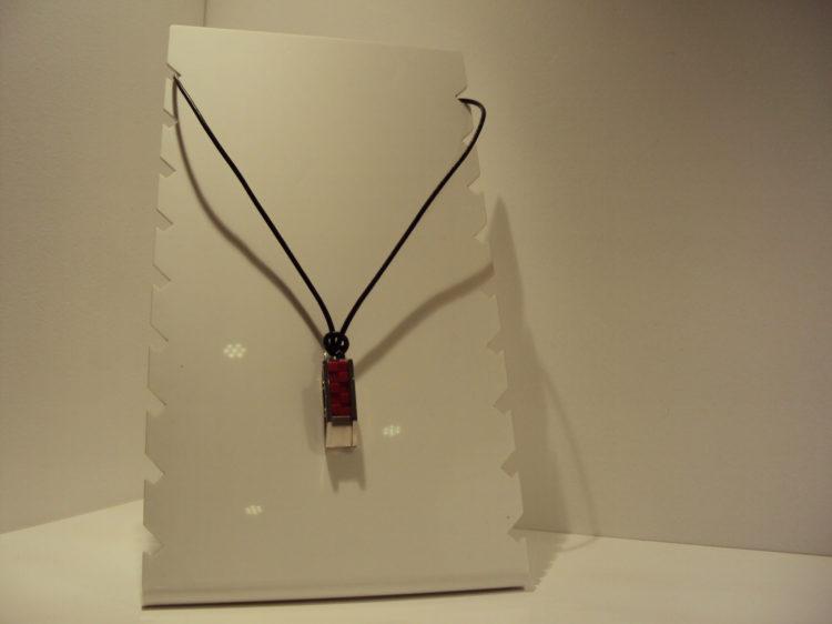 Colgante de acero Viceroy rojo 39€