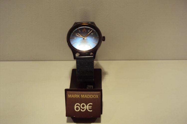Reloj azul acero con malla de esterilla 69€