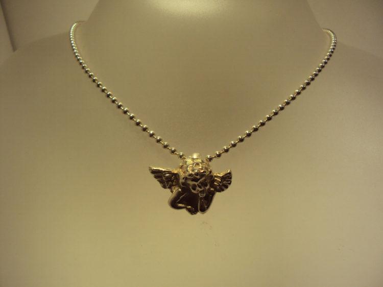 Efigie de ángel con cadena en plata 44€