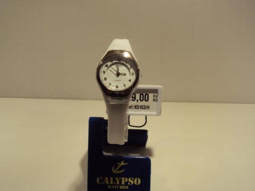 Reloj mujer correa blanca de plástico con números arábigos 29€