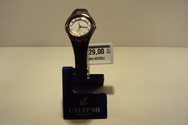 Reloj mujer números arábigos,correa negra 29€
