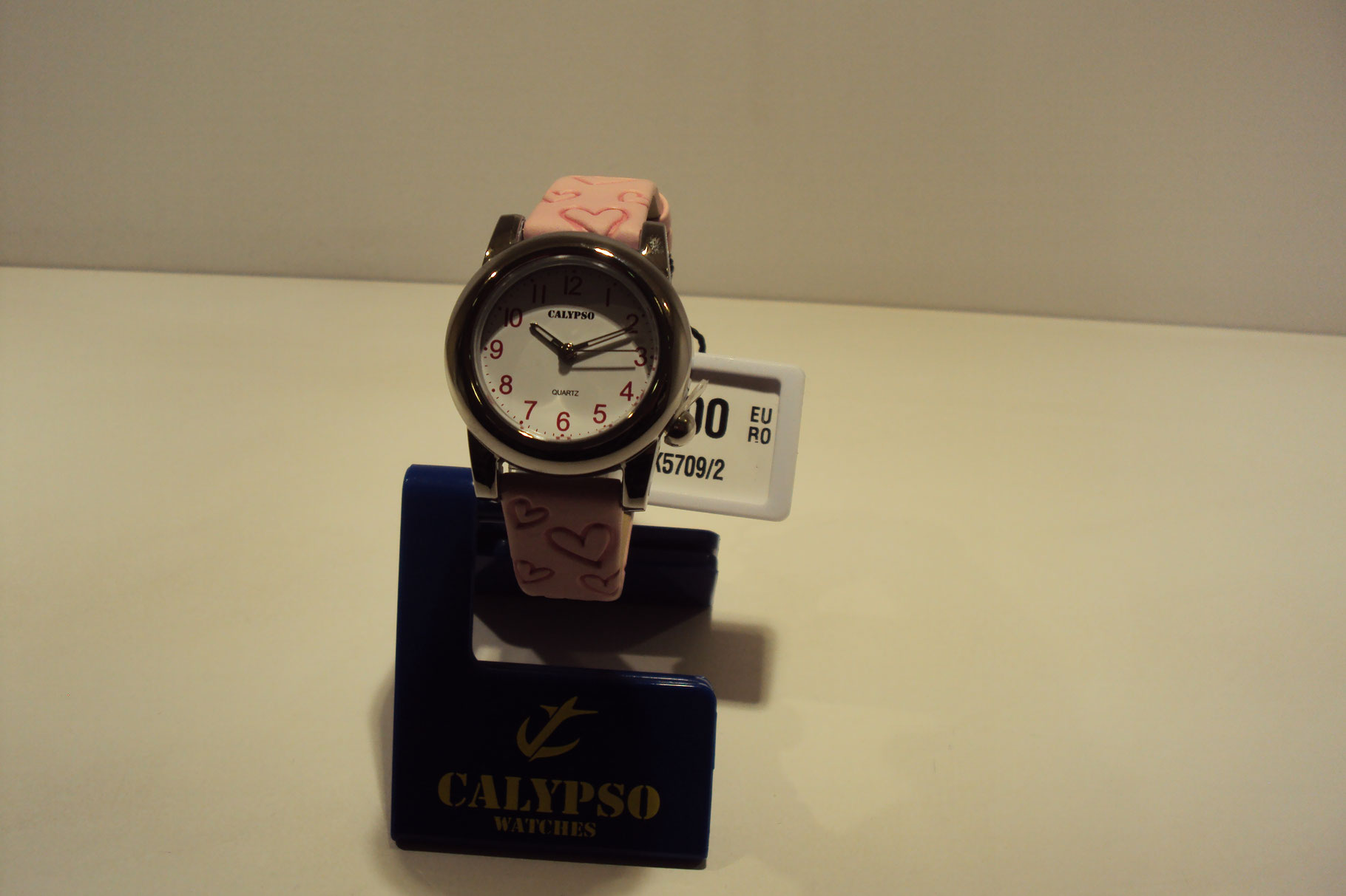 Reloj niña correa rosa con corazones 39€