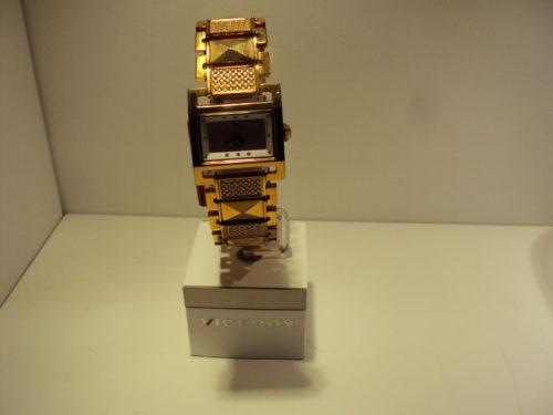 Reloj Viceroy de mujer cuadrado cobrizo con circonitas.149€