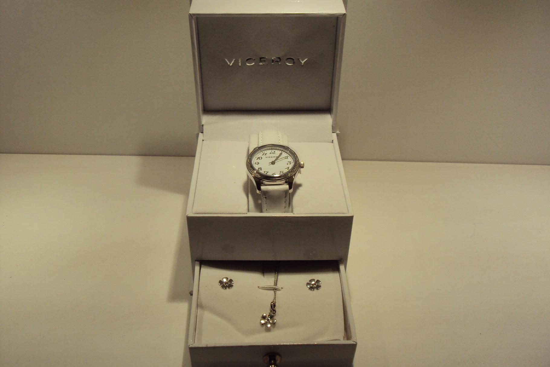 Reloj Viceroy con cajita joyerito con pendientes y colgante de plata.99€