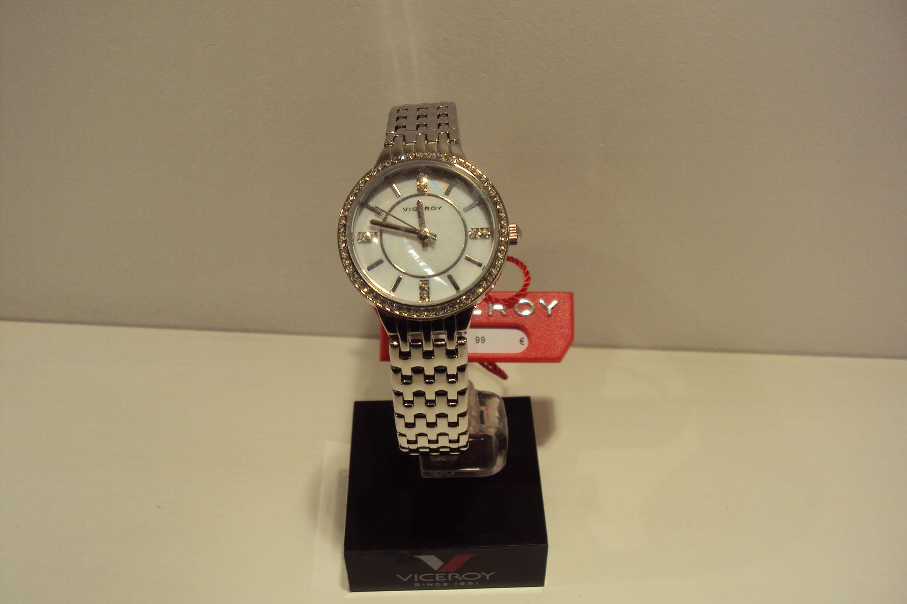 Reloj Viceroy de mujer esfera nácarada con bisel de circonitas.99€