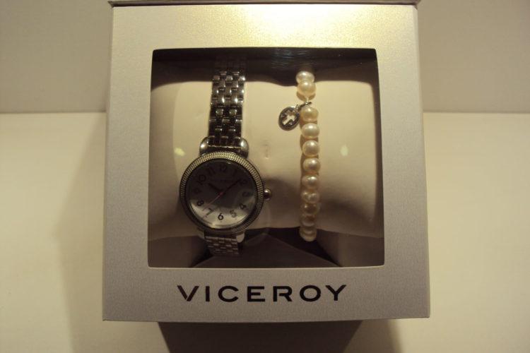 Reloj Viceroy comunión con pulsera de perlas con cruz.69€