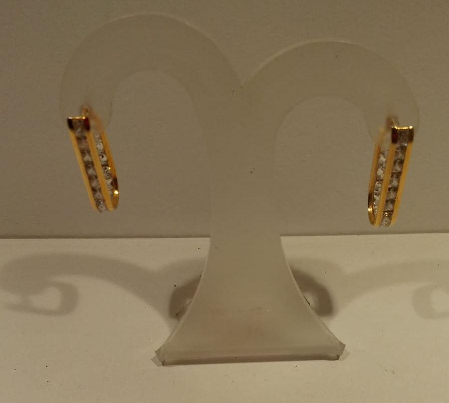 Pendientes de oro con circonitas Pendientes de oro de primera Ley con circonitas 260€