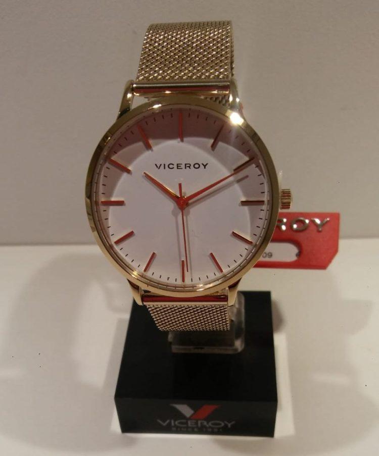 Reloj Viceroy de mujer Reloj Viceroy de mujer chapado en oro con malla de esterilla impermeable 50 metros. Precio 109€